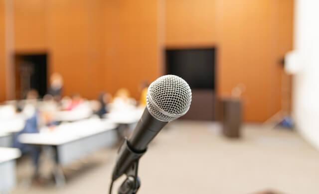 あがり症克服にセミナーに通ってスピーチ練習が不要な理由